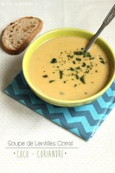 Soupe de lentilles corail, lait de coco & coriandre: rincez vos 300g de lentilles. Placez-les dans une casserole avec l'eau et portez à ébullition (sel à la fin). Lorsque les lentilles sont cuites, retirez du feu. Incorporez les 200 ml de lait de coco et les 2CC de coriandre en poudre. Mixez.