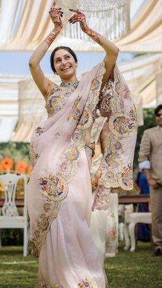 Bridal Lehenga, Saree Wedding, Brocade Blouse Designs, Green Lehenga, Lehenga Skirt, Organza Saree, Net Saree, Saree Look, Saree Styles