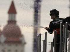 Lewis Hamilton gana el GP de Rusia  y Checo Pérez consigue podio en el Gran Premio de Rusia