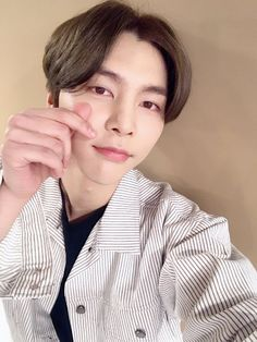 Find images and videos about boy, kpop and korean on We Heart It - the app to get lost in what you love. Nct Johnny, Johnny Lee, Nct 127, I Love Him, My Love, Huang Renjun, Kim Dong, Jung Jaehyun, Na Jaemin