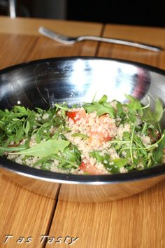 A refreshing couscous salad with tomato, arugula and lemon juice is just what you want - simple, quick and tasty.