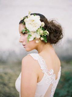 20 fresh flower hairstyles for spring + summer: http://www.stylemepretty.com/2014/05/15/20-fresh-flower-hairstyles-for-spring-summer/ | Photography: http://josevillaworkshops.com/