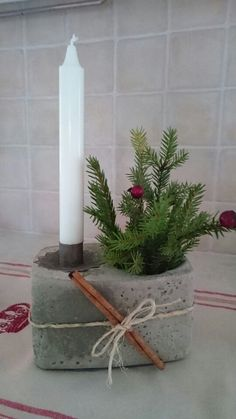 Concrete candle Source by ulrdah Cement Art, Concrete Crafts, Concrete Projects, Diy Projects, Concrete Forms, Concrete Art, Poured Concrete, Christmas Crafts, Christmas Decorations