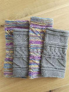 Armstulpen/Pulswärmer gestrickt Sie erhalten eine Anleitung um die abgebildeten Armstulpen (beide Paare) zu stricken. Für die bunten, aus 8fach Sockenwolle gestrickten Armstulpen (Opal Wintermond, Lauflänge für 150 g ca. 320 m), benötigen Sie ca. 60