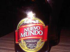 Cerveja Santana Nuevo Mundo, estilo Premium American Lager, produzida por Cervecería Santana, Colômbia. 4.5% ABV de álcool.