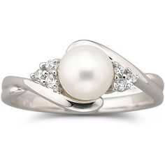 This pearl ring is a
