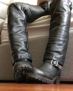 Kerls in Leder Mens Leather Pants, Biker Leather, Leather Boots, Leather Jackets, Mens Boots Fashion, Leather Fashion, Fashion Outfits, Sexy Boots, Black Boots