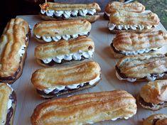 """Mini eclere cu ciocolata si frisca- un dulce istoric Eclerele sunt niste prajituri cu istorie, ale carei origini sunt frantuzesti (prima data au fost mentionate in 1860 atat in Franta, cat si in Anglia.Pana in 1850, eclerele erau cunoscute sub denumirea de """"painea ducesei"""", sau """"mica ducesa"""" si creatorul lor pare sa fi fost Antonin Carême (1784–1833), marele chef francez. Prima reteta a fost publicata inBoston Cooking School Cook Book de Mrs. D.A. Lincoln,in 1884.  Numele de """"Éclair""""…"""