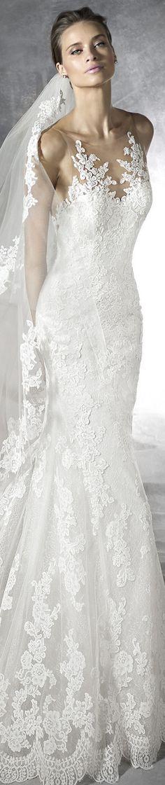 PRONOVIAS PLACIA WEDDING DRESS