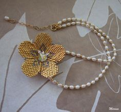 Items similar to Beaded jewelry - beadweaving jewelry - flower - pearl necklace with Goldfilled elements - brick stitch technique on Etsy Flower Necklace, Pearl Necklace, Beaded Necklace, Beaded Jewelry Patterns, Beading Patterns, Peyote Beading, Beadwork, Brick Stitch, Beaded Flowers