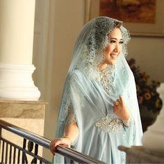 Good morning, brides! We got that this light blue color brought a calming aura to the bride. What do you think? Thank you @nikitafirdaus for sharing! Makeup by @dewiscs Photo by @aa_fotografi #pengajian #pengajianpernikahan #bride #bridetobe #pernikahan #perkawinan #pengantin #myweddingprep #myweddingpreppengajian  via ✨ @padgram ✨(http://dl.padgram.com)