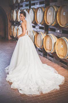 Esküvői fényképek a kecskeméti színházból - Esküvői fotós, Esküvői fotózás, fotobese Mermaid Wedding, Wedding Dresses, Fashion, Bride Dresses, Moda, Bridal Wedding Dresses, Fashion Styles, Weding Dresses, Dress Wedding