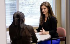 How Kat Cole Went from Hooters Girl to President of Cinnabon by Age 32 - Outstanding inspiration in my life! Business Fashion, Business Women, Fly To Australia, Inspirational Leaders, Career Inspiration, Women In Leadership, Helping Other People, Career Change, Girl Power