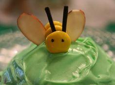 http://thepartyanimal.hubpages.com/hub/Bumblebee-Birthday-Cakes-Cupcakes-and-Cookies