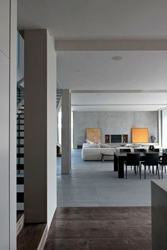 Sorrento House by Robert Mills Architects |