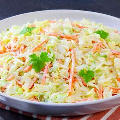 Sweet Restaurant Style Colelaw Recipe with onion. A classic low calorie side dish recipe for lunch, dinner, or a picnic with only 200 calories. Ready in 15 minutes. Popular Recipes, Great Recipes, Favorite Recipes, Sweet Restaurant, Party Dishes, Cooking Recipes, Healthy Recipes, Vegetable Side Dishes, Southern Recipes