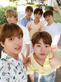berisi chat anak anak NCT Dream ⛵Jaemren ⛵Chensung ⛵Markhyuck ✈Jeno (Slow update) Nonbaku in Renmin in Jaemren in Minren Winwin, Taeyong, Jaehyun, J Pop, Nct 127, Nct U Members, Nct Dream Members, Jisung Nct, Mark Lee