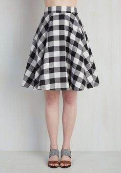 The cookout just got a whole lot sweeter with your entrance - and it's not just 'cause of the apple pie you hold. Cue a twirl in this black-and-white gingham skirt, arriving in March! Wonderfully retro with a high-waisted, midi-length silhouette, this pocketed A-line is the talk of the patio!