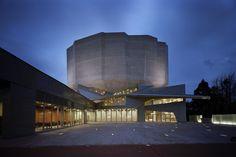 Centro Cultural Kadare / Chiaki Arai Urban and Architecture Design