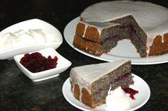 Mohntorte mit Zuckerglasur, ein raffiniertes Rezept aus der Kategorie Backen.