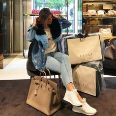 LIFESTYLE / SHOPPING #lifestyle