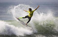 """Sally Fitzgibbons alla competizione """"Cascais Women's Pro"""" in #Portogallo #surf"""