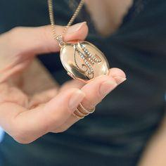 Çerçeve Kolyeler Anneler Günü'ne Özel Fiyatlarla❤️Melie Jewellery❤️❤️❤️ #melie #finejewellery #love #jewellery #highjewellery #MakeYouLikePrincess #MakeEveryDayBrilliant #jewellerydesign #luxury #luxurylife #luxurylifestyle #luxurydesign #alwaysfashioncom #istanbul #juwelen #schmuck #mücevehr #brilliant #instacool #instagood #instajewellery #swans #aşk #kuğular