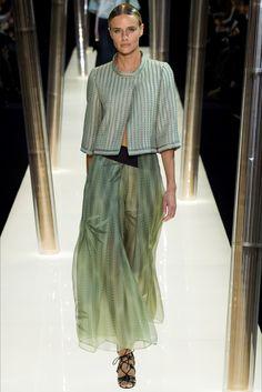 Armani Privé Frühjahr/Sommer 2015 Haute Couture - Fashion Shows Haute Couture Paris, Couture 2015, Couture Fashion, Paris Fashion, Runway Fashion, Womens Fashion, Fashion Trends, Couture Style, Armani Prive