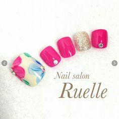 Pretty Toe Nails, Love Nails, My Nails, Cute Pedicures, Floral Nail Art, Japanese Nail Art, Feet Nails, Toe Nail Designs, Toe Nail Art