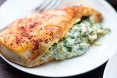 Chicken Breast Recipes Chicken Breasts Recipes – Easy & Quick To Prepare! These chicken breasts recipes are easy, quick and delicious. Healthy Low Carb Dinners, Healthy Recipes, Diet Recipes, Healthy Snacks, Healthy Eating, Cooking Recipes, Game Recipes, Pollo Caprese, Tabbouleh Salad
