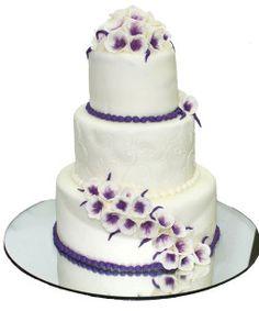 Tort-nunta-Flori-violet
