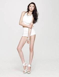 im jin ah nana Women With Beautiful Legs, Lovely Legs, Sexy Asian Girls, Beautiful Asian Girls, Nana Afterschool, Im Jin Ah, Nami One Piece, Glamour, Girl Smoking