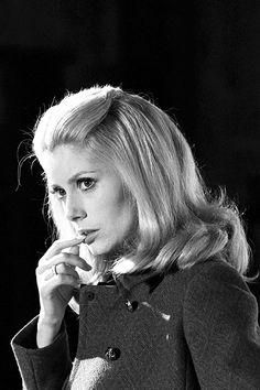Catherine Deneuve sul set di Luis Buñuel & # 8217; s Belle de Jour, 1967