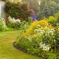 Blumen Im Garten U2013 Gartenideen Für Reizvolle Und Attraktive Gestaltung  #attraktive #blumen #garten