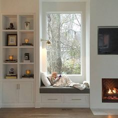 Trendy Window Nook Design Ideas To Get Cozy Space In Your House - Home Design Ideas Window Benches, Bay Window Seats, Window Seats With Storage, Bay Window Storage, Window Seat Curtains, Burlap Curtains, Window Coverings, Cozy Nook, My New Room
