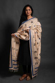 Handloom and handblock printed pure Tussar cotton dupatta Nee:saa INDIAN ART PAINTINGS PHOTO GALLERY  | I.PINIMG.COM  #EDUCRATSWEB 2020-07-29 i.pinimg.com https://i.pinimg.com/236x/c7/cc/19/c7cc1974178d35d73568eca578216ede.jpg