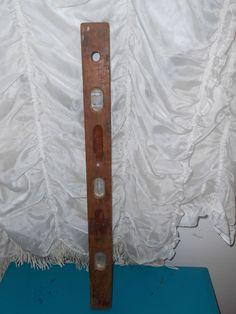 Vintage Estate Find Well Loved/Beat Up OLD Wood/Wooden Level