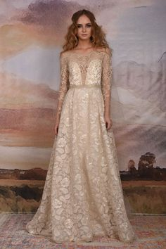 "Straight from the catwalk to you, I'm delighted to feature the just launched Claire Pettibone Vagabond 2018 Bridal Collection. YouRead More ""Claire Pettibone Vagabond 2018 Braut Kollektion"" Mon Cheri Wedding Dresses, 2015 Wedding Dresses, Bridal Dresses, Wedding Gowns, Wedding Blog, Claire Pettibone, Ball Dresses, Ball Gowns, Illusion Dress"