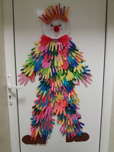Decoration Cirque, Decoration Creche, Clown Crafts, Circus Crafts, Diy And Crafts, Crafts For Kids, Arts And Crafts, Paper Crafts, Mardi Gras