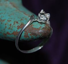 Check out this item in my Etsy shop https://www.etsy.com/listing/229597081/vintage-sterling-silver-kitty-cat