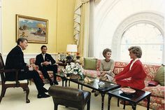 November 9, 1985: Prince Charles & Princess Diana with President Ronald Reagan & first Lady Nancy Reagan on arrival at the White House, Washington, D.C.