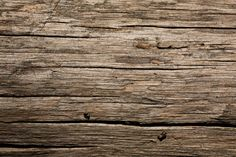 Dry Old Wood Texture ( http://www.wildtextures.com/free-textures/dry-old-wood-texture/, 2013 )
