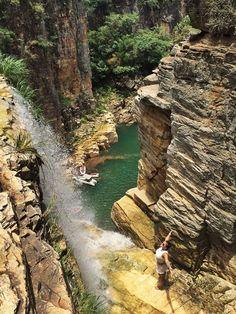 Rodeada de belas paisagens, conheça capitólio:  https://guiame.com.br/vida-estilo/turismo/10-lugares-no-brasil-para-viajar-nas-ferias.html