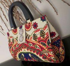 Fashion Handbags, Fashion Bags, Purse Tutorial, Tote Purse, Handmade Bags, Purses And Bags, Scarves, Shoulder Bag, Beads