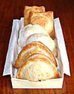 South American Empanada Recipes: What are Empanadas? Traditional Empanada Recipe, Manjar Blanco Recipe, Learn To Cook, Food To Make, Milk Recipes, Dessert Recipes, American Desserts, American Recipes, Ceviche Recipe