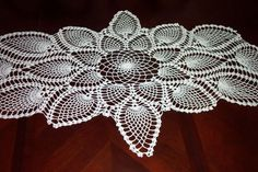 Captivating Crocheting: Make Crocheted Table Runners, Wall Hangings, Curtains and More!--Ideas, Tips & Free Patterns