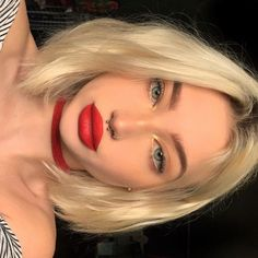 First of all, before taking the perfect lipstick, you have to know two things: . the undertone of your skin; the right colour to make it stand ou. Pretty blonde girl Beauty tips how to choose the perfect lipstick Beauty Make-up, Beauty Hacks, Hair Beauty, Beauty Secrets, Beauty Tips, Cute Makeup, Makeup Looks, Hair Makeup, Makeup Inspo