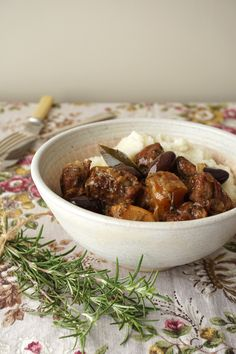 Healing Family Eats – Lamb, olive and Rosemary stew Paleo Recipes, Dog Food Recipes, Paleo Meals, Nightshade Free Recipes, Lamb Stew, Easy One Pot Meals, Gaps Diet, Paleo Dinner, Soups And Stews
