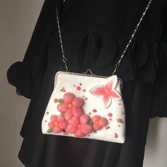 羊毛毡毛呢单肩斜挎手拿链条小包口金包白色红樱花朵蝴蝶创意礼物
