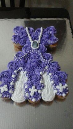 Pastel de quequitos Princesa Sofía